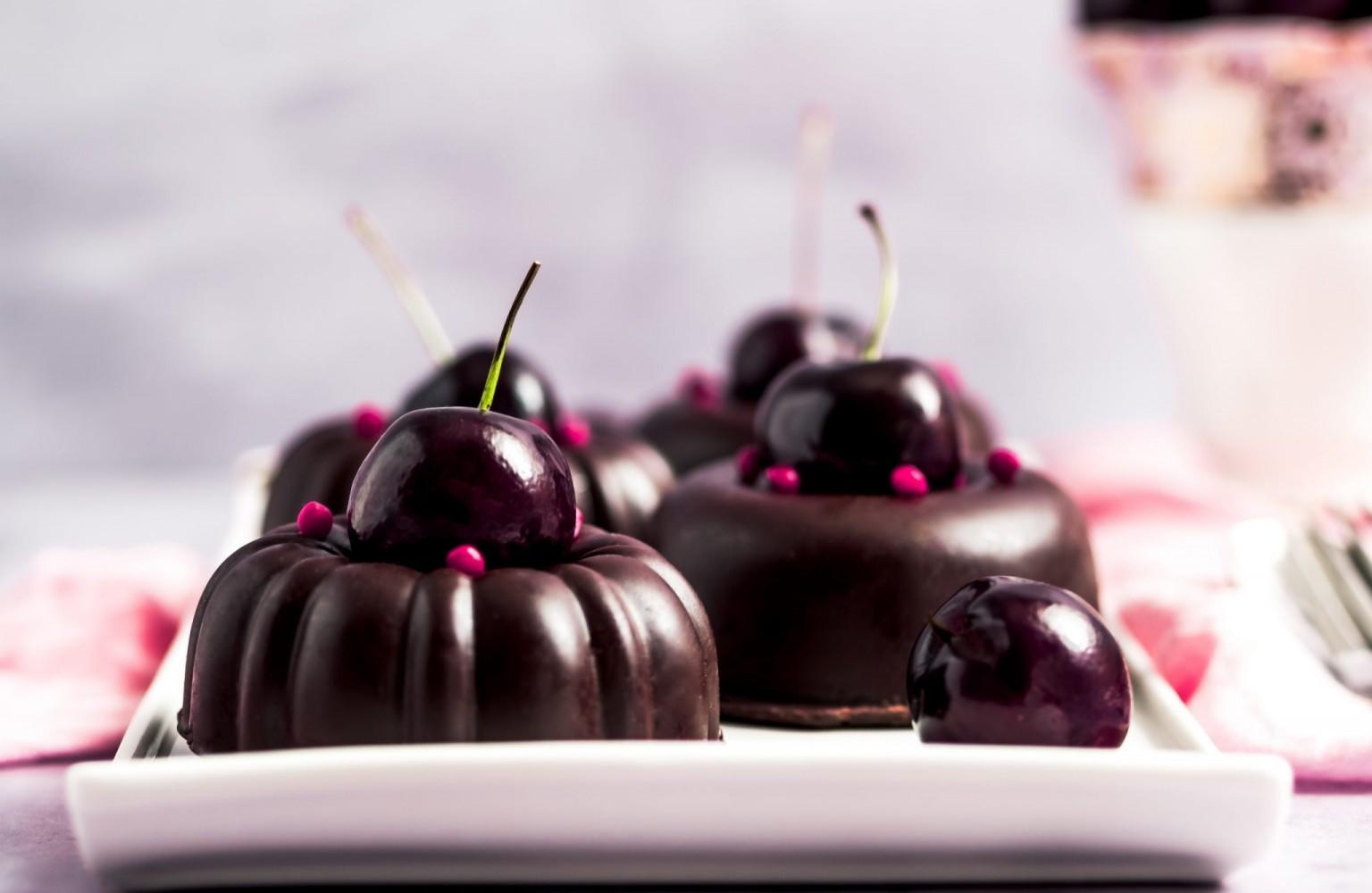 Cherry Ripe Bundt Desserts