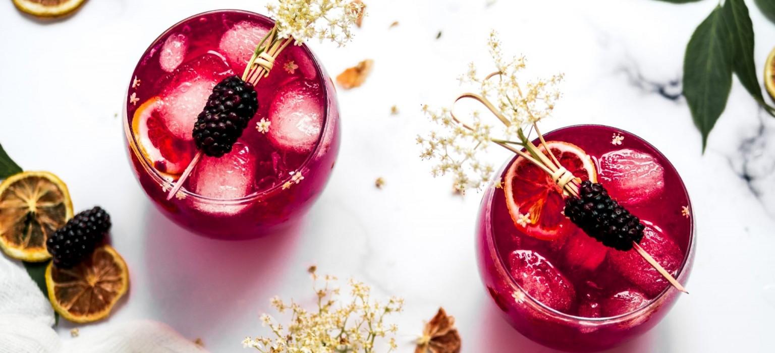 Elderflower Lemon & BlackBerry Gin Cocktails